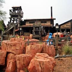 Big Thunder Mountain Railroad, Frontierland