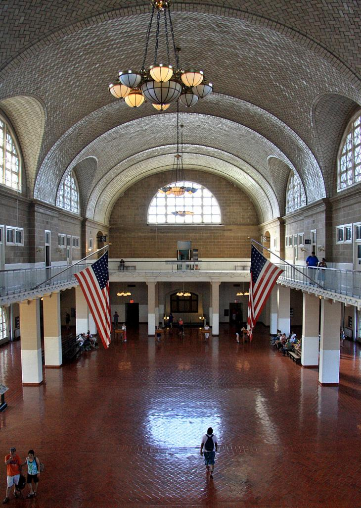 Main Hall of Ellis Island / Haupthalle von Ellis Island
