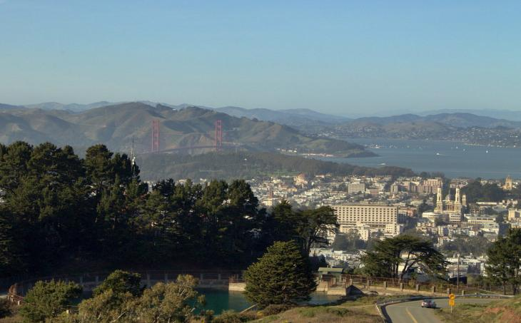 Golden Gate Bridge (seen from Twin Peaks)